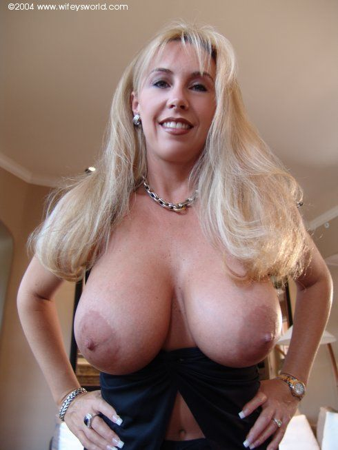 Enter Wifeys World For All Her Naughty Adventures
